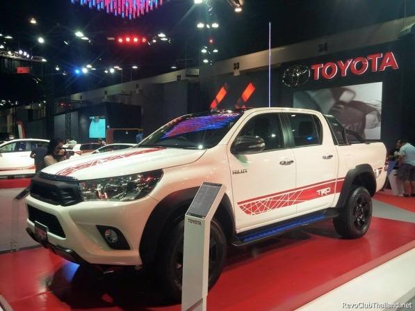 Toyota Hilux 2015 Terbaru Dipermak Abis Oleh TRD Sportivo